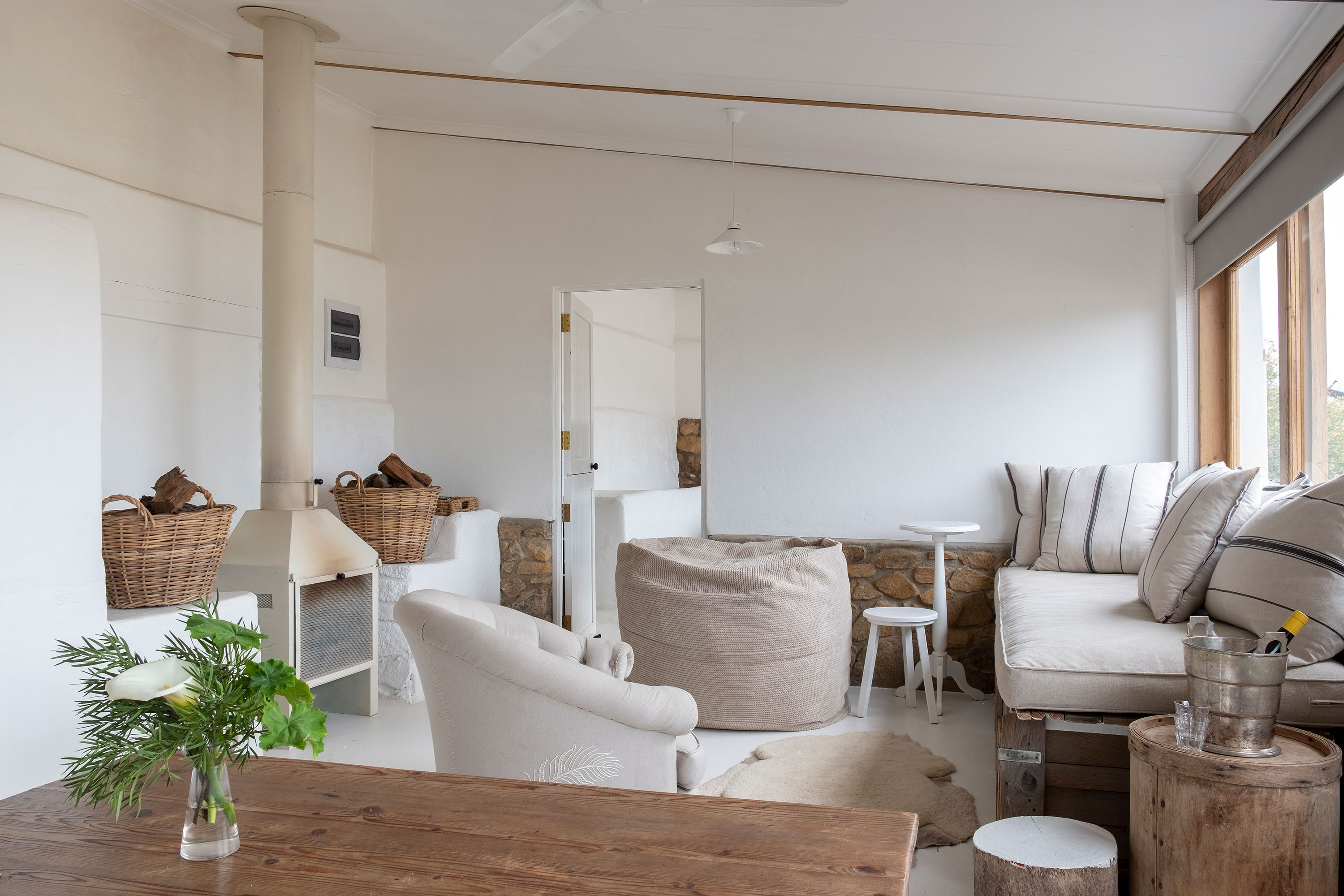 Stables-lounge-1