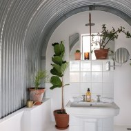 Stables-main-bathroom-3